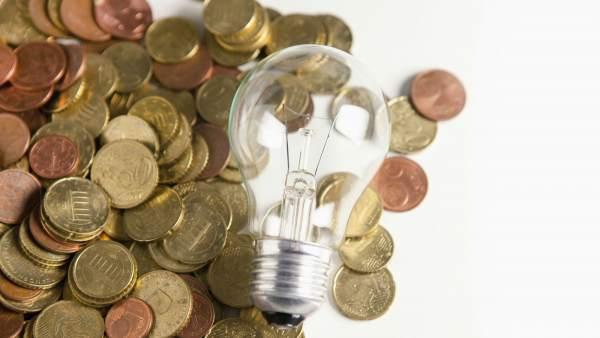 ahorrar electricidad en una empresa